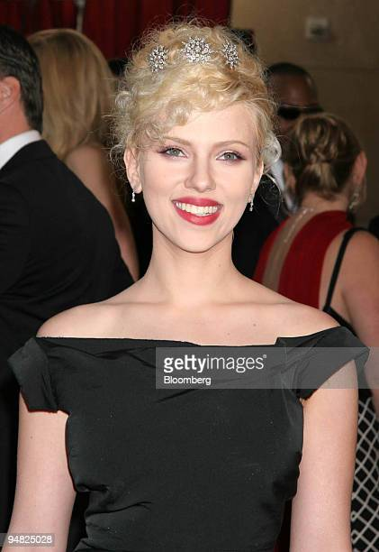 Actress Scarlett Johansson arrives at the 77th annual Academy Awards in Los Angeles California on Sunday February 27 2005