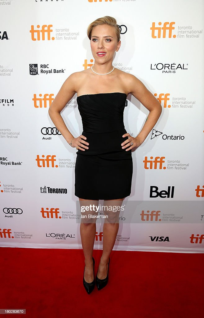 Actress Scarlett Johansson arrives at the 'Don Jon' Premiere during the 2013 Toronto International Film Festival at Princess of Wales Theatre on September 10, 2013 in Toronto, Canada. (Photo by Ian Blakeman/WireImage).