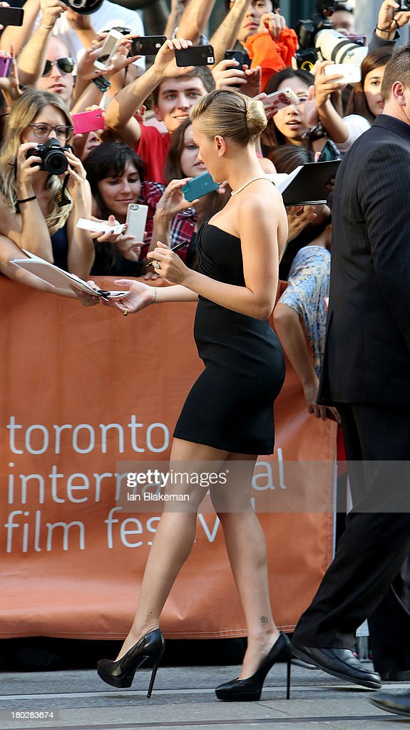 Actress <a gi-track='captionPersonalityLinkClicked' href=/galleries/search?phrase=Scarlett+Johansson&family=editorial&specificpeople=171858 ng-click='$event.stopPropagation()'>Scarlett Johansson</a> arrives at the 'Don Jon' Premiere during the 2013 Toronto International Film Festival at Princess of Wales Theatre on September 10, 2013 in Toronto, Canada. (Photo by Ian Blakeman/WireImage).