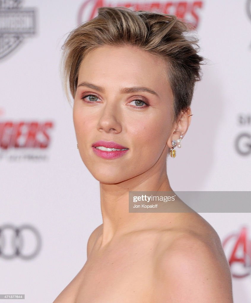 Actress <a gi-track='captionPersonalityLinkClicked' href=/galleries/search?phrase=Scarlett+Johansson&family=editorial&specificpeople=171858 ng-click='$event.stopPropagation()'>Scarlett Johansson</a> arrives at the Los Angeles Premiere Marvel's 'Avengers Age Of Ultron' at Dolby Theatre on April 13, 2015 in Hollywood, California.