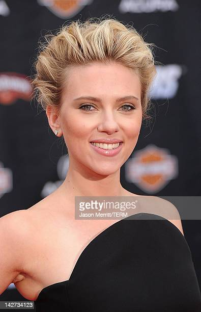 Actress Scarlett Johansson arrives at the premiere of Marvel Studios' 'The Avengers' at the El Capitan Theatre on April 11 2012 in Hollywood...
