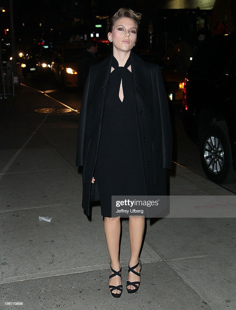 Actress <a gi-track='captionPersonalityLinkClicked' href=/galleries/search?phrase=Scarlett+Johansson&family=editorial&specificpeople=171858 ng-click='$event.stopPropagation()'>Scarlett Johansson</a> arrives to 'Late Show with David Letterman' at Ed Sullivan Theater on November 20, 2012 in New York City.