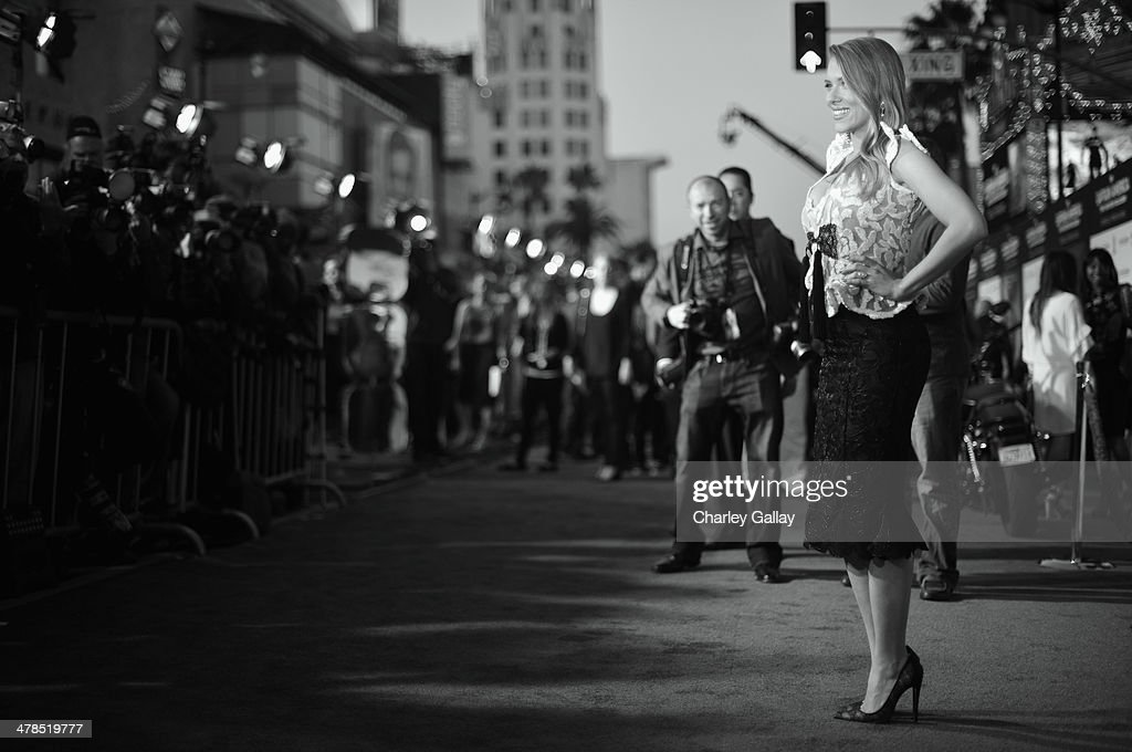 Actress <a gi-track='captionPersonalityLinkClicked' href=/galleries/search?phrase=Scarlett+Johansson&family=editorial&specificpeople=171858 ng-click='$event.stopPropagation()'>Scarlett Johansson</a> attends Marvel's 'Captain America: The Winter Soldier' premiere at the El Capitan Theatre on March 13, 2014 in Hollywood, California.
