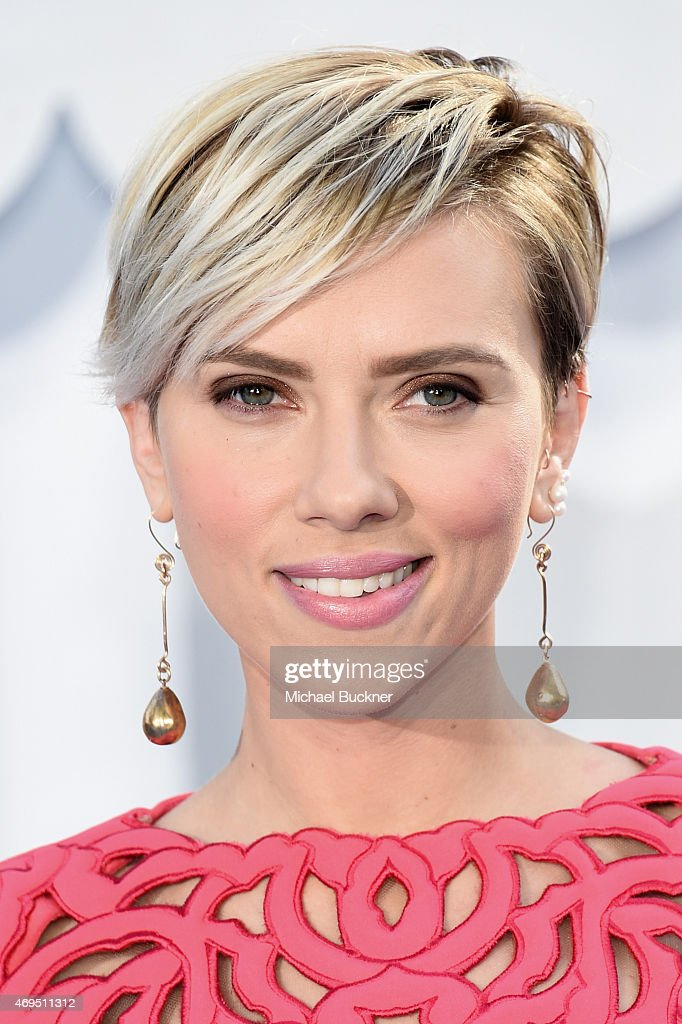 Actress <a gi-track='captionPersonalityLinkClicked' href=/galleries/search?phrase=Scarlett+Johansson&family=editorial&specificpeople=171858 ng-click='$event.stopPropagation()'>Scarlett Johansson</a> attends The 2015 MTV Movie Awards at Nokia Theatre L.A. Live on April 12, 2015 in Los Angeles, California.