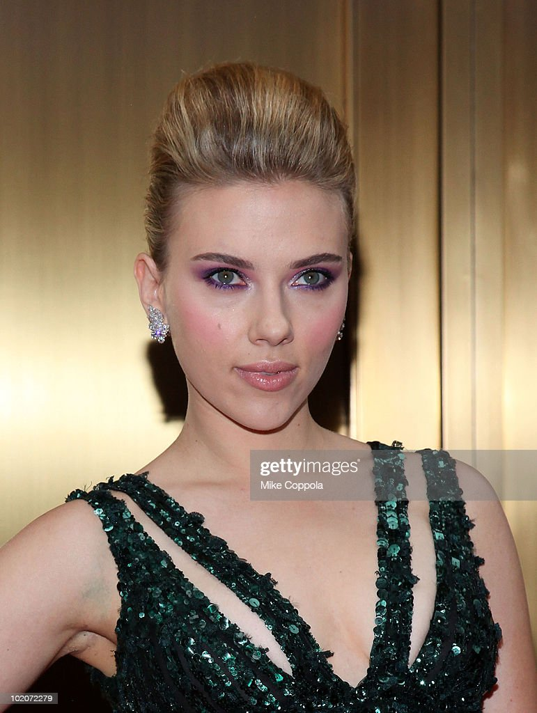 Actress Scarlett Johansson attends the 64th Annual Tony Awards at Radio City Music Hall on June 13, 2010 in New York City.