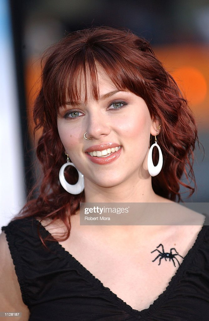 Actress <a gi-track='captionPersonalityLinkClicked' href=/galleries/search?phrase=Scarlett+Johansson&family=editorial&specificpeople=171858 ng-click='$event.stopPropagation()'>Scarlett Johansson</a> attends the world premiere of 'Eight Legged Freaks' at Grauman's Chinese Theater on July 16, 2002 in Hollywood, California. Thie film opens nationwide in theaters on July 17, 2002.