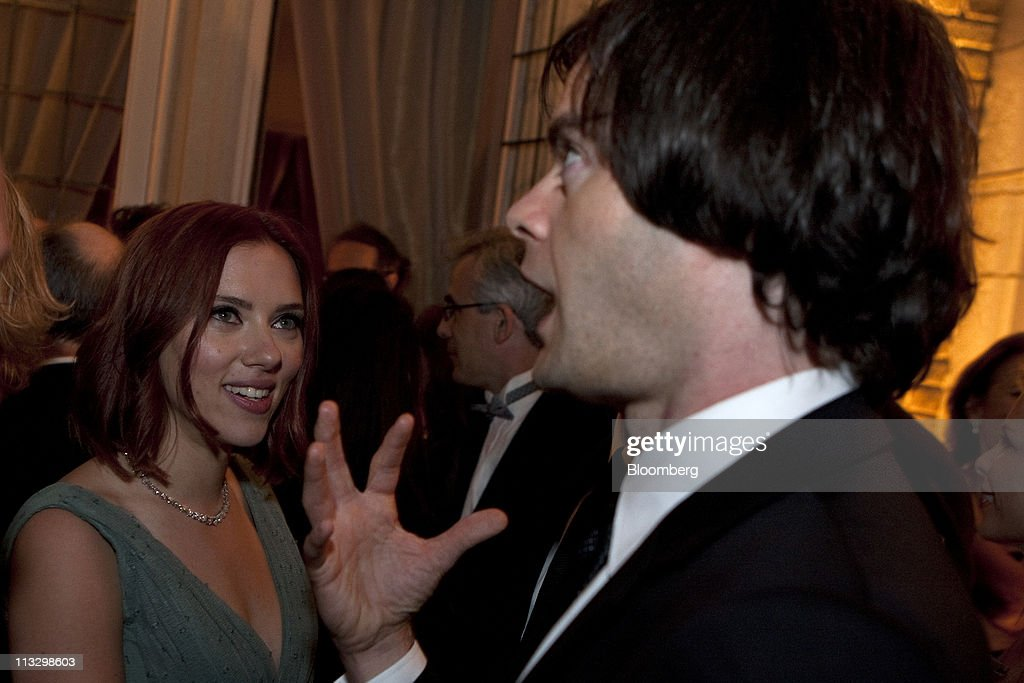 Actress <a gi-track='captionPersonalityLinkClicked' href=/galleries/search?phrase=Scarlett+Johansson&family=editorial&specificpeople=171858 ng-click='$event.stopPropagation()'>Scarlett Johansson</a>, left, and <a gi-track='captionPersonalityLinkClicked' href=/galleries/search?phrase=Bill+Hader&family=editorial&specificpeople=757145 ng-click='$event.stopPropagation()'>Bill Hader</a> of 'Saturday Night Live,' attend the the Bloomberg Vanity Fair White House Correspondents' Association (WHCA) dinner afterparty in Washington, D.C., U.S., on Saturday, April 30, 2011. The dinner raises money for WHCA scholarships and honors the recipients of the organization's journalism awards. Photographer: Joshua Roberts/Bloomberg via Getty Images
