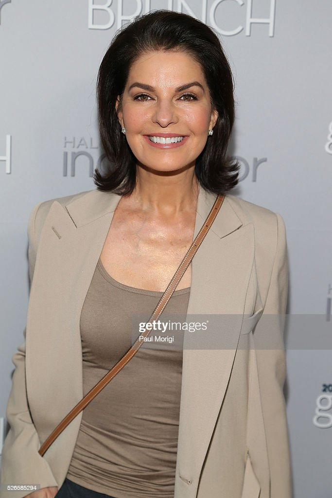 Actress <a gi-track='captionPersonalityLinkClicked' href=/galleries/search?phrase=Sela+Ward&family=editorial&specificpeople=209144 ng-click='$event.stopPropagation()'>Sela Ward</a> attends the Garden Brunch prior to the 102nd White House Correspondents' Association Dinner at the Beall-Washington House on April 30, 2016 in Washington, DC.