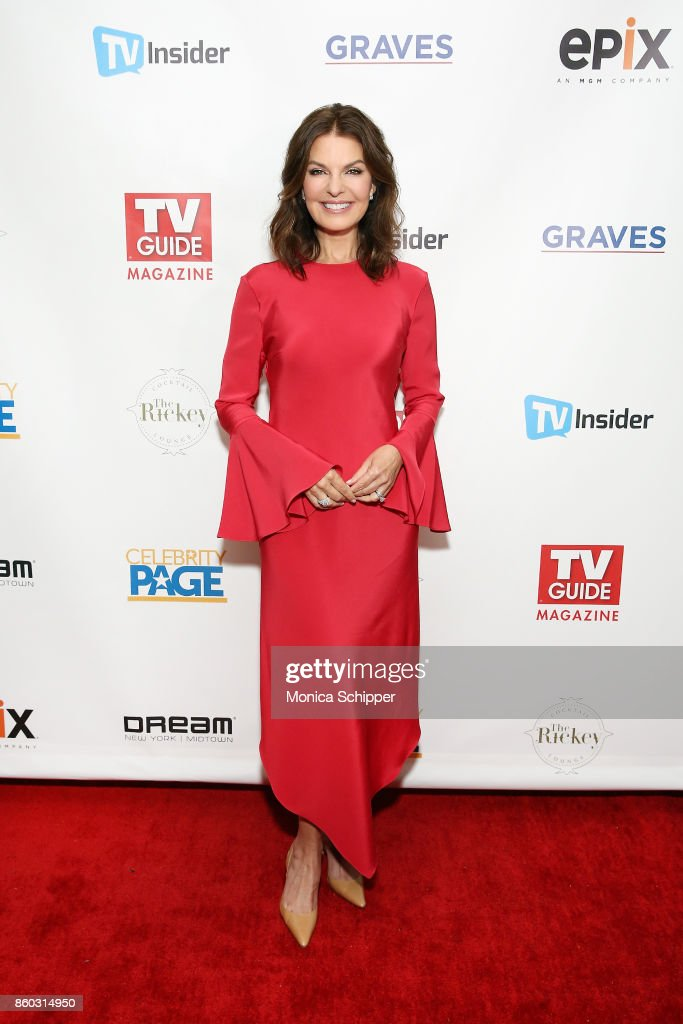 """TV Guide Magazine Celebrates Cover Star Sela Ward And Her Show """"Graves"""""""