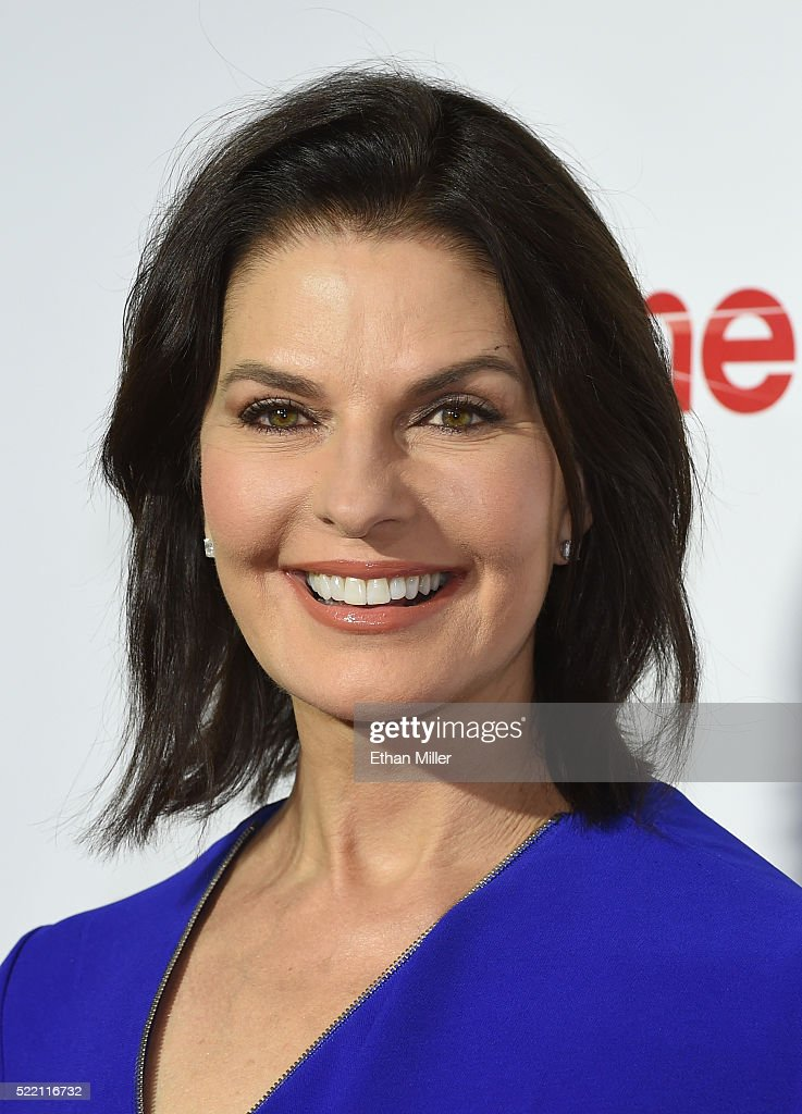 Actress Sela Ward, one of the recipients of the Ensemble of the Universe Award for 'Independence Day: Resurgence,' attends the CinemaCon Big Screen Achievement Awards brought to you by the Coca-Cola Company at Omnia Nightclub at Caesars Palace during CinemaCon, the official convention of the National Association of Theatre Owners, on April 14, 2016 in Las Vegas, Nevada.