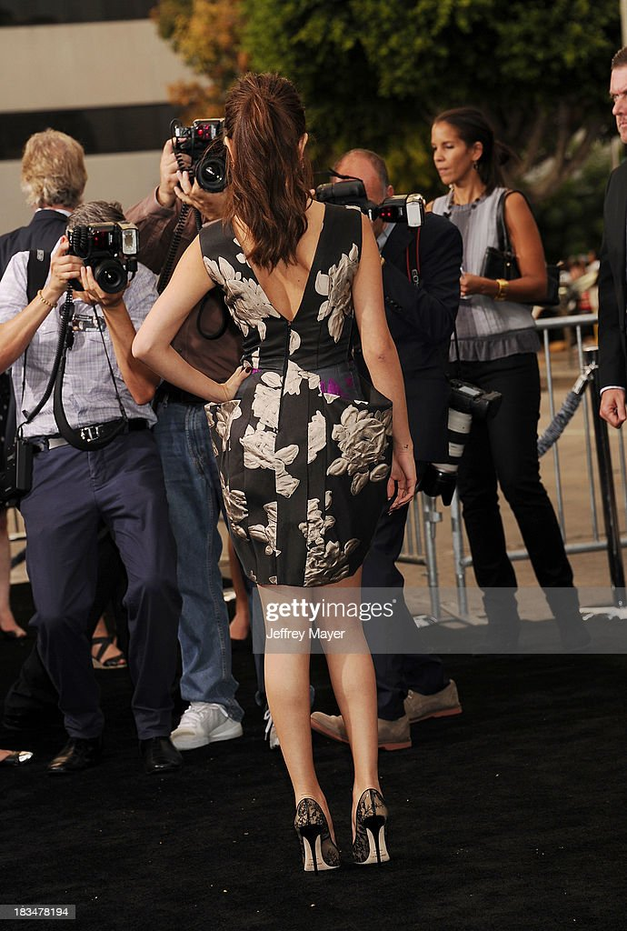 Actress <a gi-track='captionPersonalityLinkClicked' href=/galleries/search?phrase=Selena+Gomez&family=editorial&specificpeople=4295969 ng-click='$event.stopPropagation()'>Selena Gomez</a> arrives at the 'Getaway' - Los Angeles Premiere at Regency Village Theatre on August 26, 2013 in Westwood, California.
