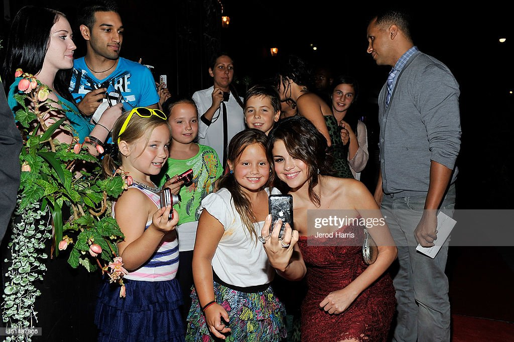 Actress <a gi-track='captionPersonalityLinkClicked' href=/galleries/search?phrase=Selena+Gomez&family=editorial&specificpeople=4295969 ng-click='$event.stopPropagation()'>Selena Gomez</a> attends the vitaminwater post party for the cast of 'Spring Breakers' during the 2012 Toronto International Film Festivalat Brassaii on September 7, 2012 in Toronto, Canada.