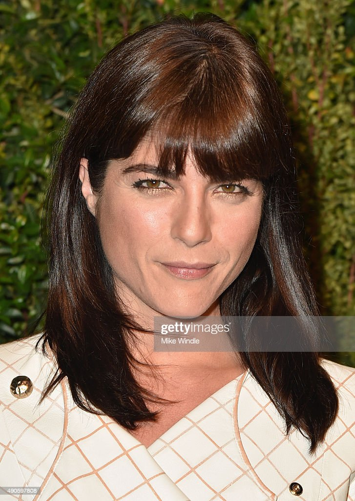 Actress Selma Blair attends CHANEL Dinner in Honor of Baby2Baby at CHANEL Boutique on September 29, 2015 in Los Angeles, California.