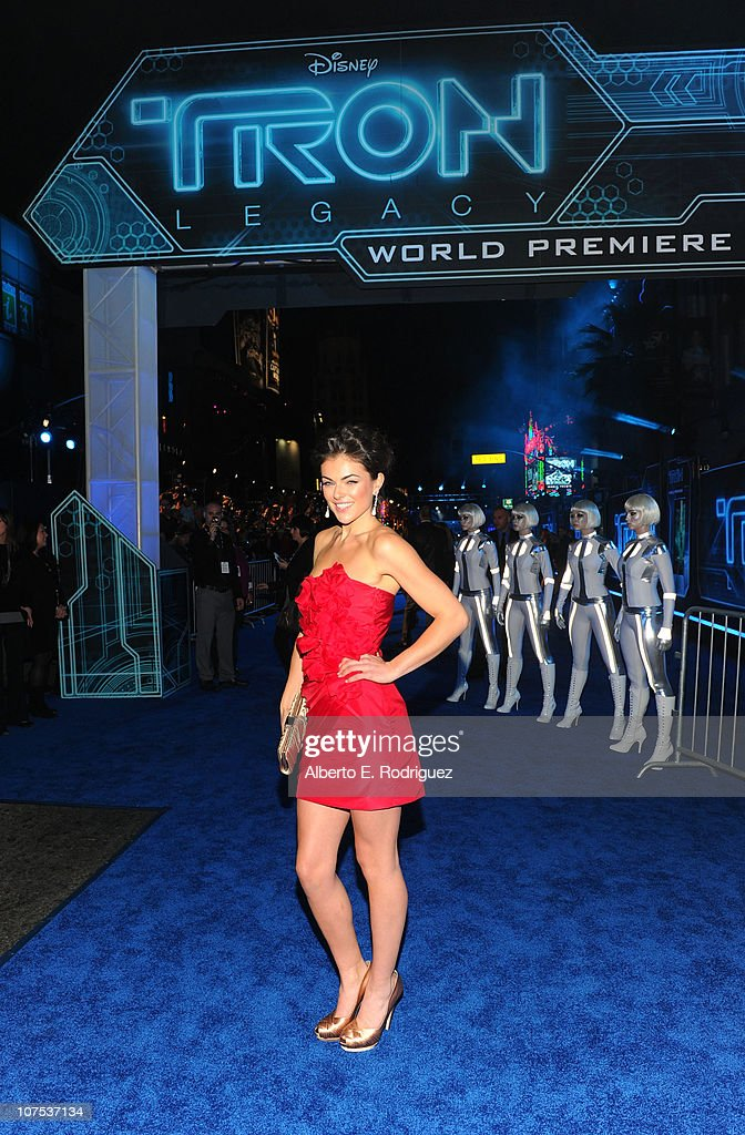 Actress Serinda Swan arrives at Walt Disney's 'TRON: Legacy' World Premiere held at the El Capitan Theatre on December 11, 2010 in Los Angeles, California.