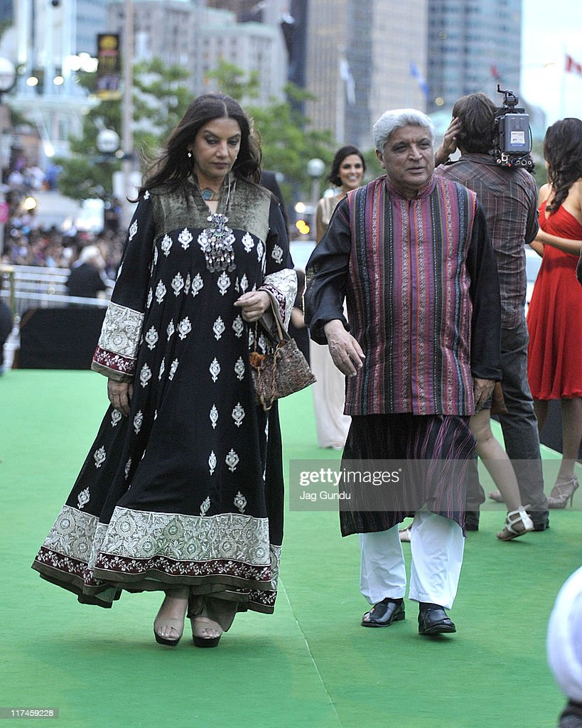 Actress <a gi-track='captionPersonalityLinkClicked' href=/galleries/search?phrase=Shabana+Azmi&family=editorial&specificpeople=565786 ng-click='$event.stopPropagation()'>Shabana Azmi</a> attends the IIFA Awards green Carpet at the Rogers Centre on June 25, 2011 in Toronto, Canada.