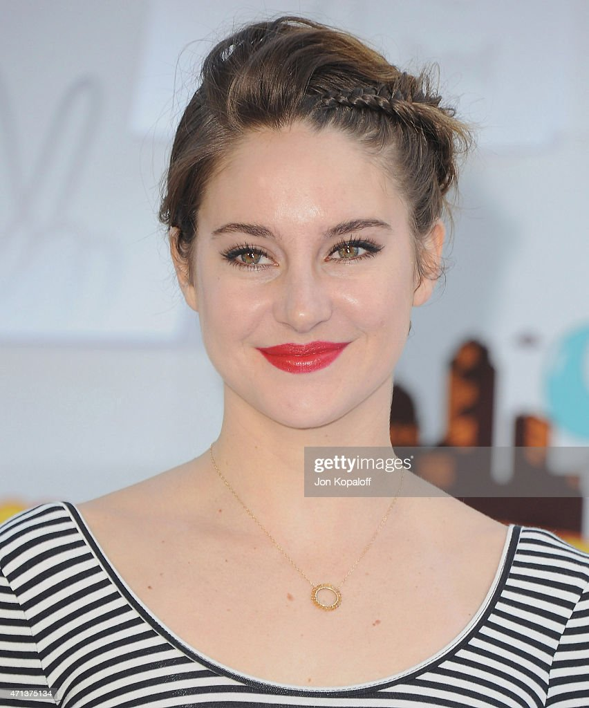 Actress <a gi-track='captionPersonalityLinkClicked' href=/galleries/search?phrase=Shailene+Woodley&family=editorial&specificpeople=676833 ng-click='$event.stopPropagation()'>Shailene Woodley</a> arrives at the 2015 MTV Movie Awards at Nokia Theatre L.A. Live on April 12, 2015 in Los Angeles, California.