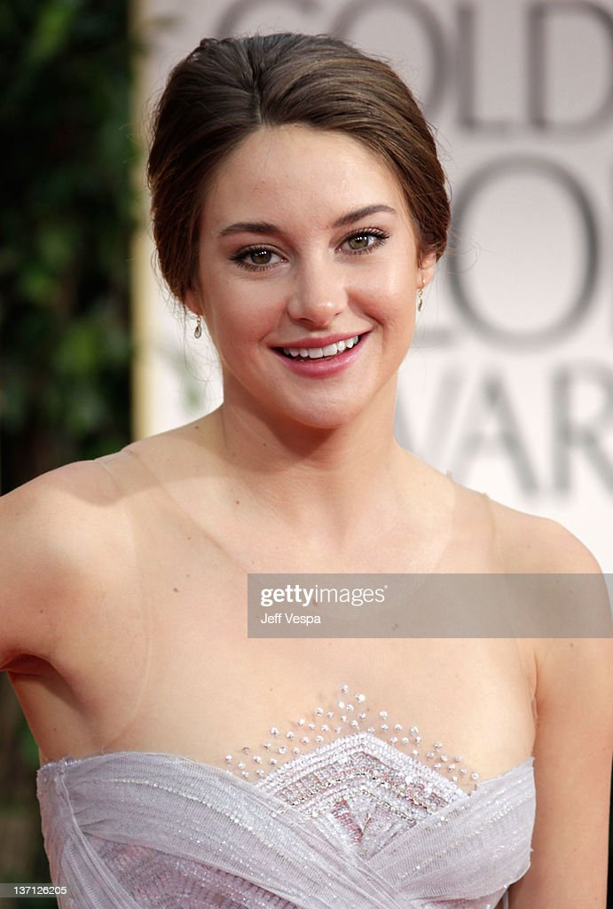 Actress Shailene Woodley arrives at the 69th Annual Golden Globe Awards held at the Beverly Hilton Hotel on January 15, 2012 in Beverly Hills, California.