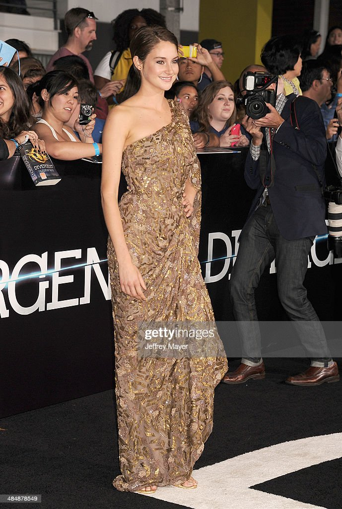 Actress <a gi-track='captionPersonalityLinkClicked' href=/galleries/search?phrase=Shailene+Woodley&family=editorial&specificpeople=676833 ng-click='$event.stopPropagation()'>Shailene Woodley</a> arrives at the Los Angeles premiere of 'Divergent' at Regency Bruin Theatre on March 18, 2014 in Los Angeles, California.