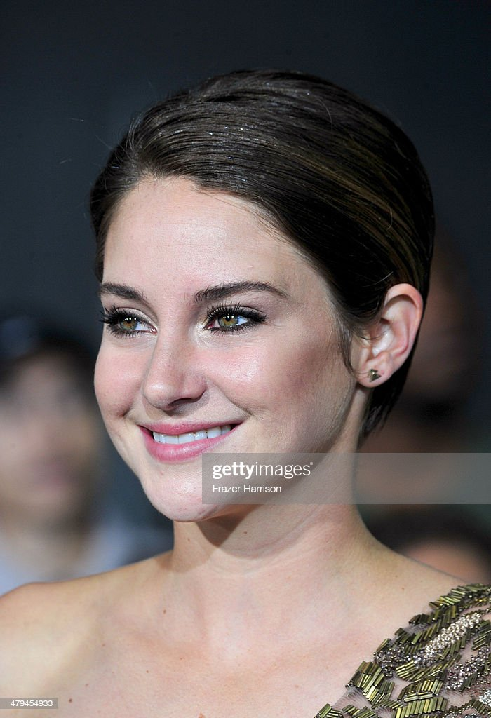 Actress <a gi-track='captionPersonalityLinkClicked' href=/galleries/search?phrase=Shailene+Woodley&family=editorial&specificpeople=676833 ng-click='$event.stopPropagation()'>Shailene Woodley</a> arrives at the premiere of Summit Entertainment's 'Divergent' at the Regency Bruin Theatre on March 18, 2014 in Los Angeles, California.