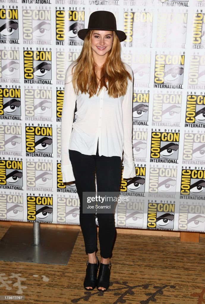 Actress <a gi-track='captionPersonalityLinkClicked' href=/galleries/search?phrase=Shailene+Woodley&family=editorial&specificpeople=676833 ng-click='$event.stopPropagation()'>Shailene Woodley</a> attends 'Divergent' Comic-Con Press Line at San Diego Convention Center on July 18, 2013 in San Diego, California.