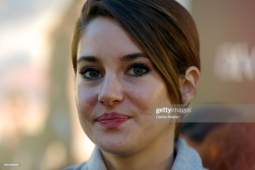 Actress <a gi-track='captionPersonalityLinkClicked' href=/galleries/search?phrase=Shailene+Woodley&family=editorial&specificpeople=676833 ng-click='$event.stopPropagation()'>Shailene Woodley</a> attends the 'Divergent' premiere at the Callao cinema on April 3, 2014 in Madrid, Spain.