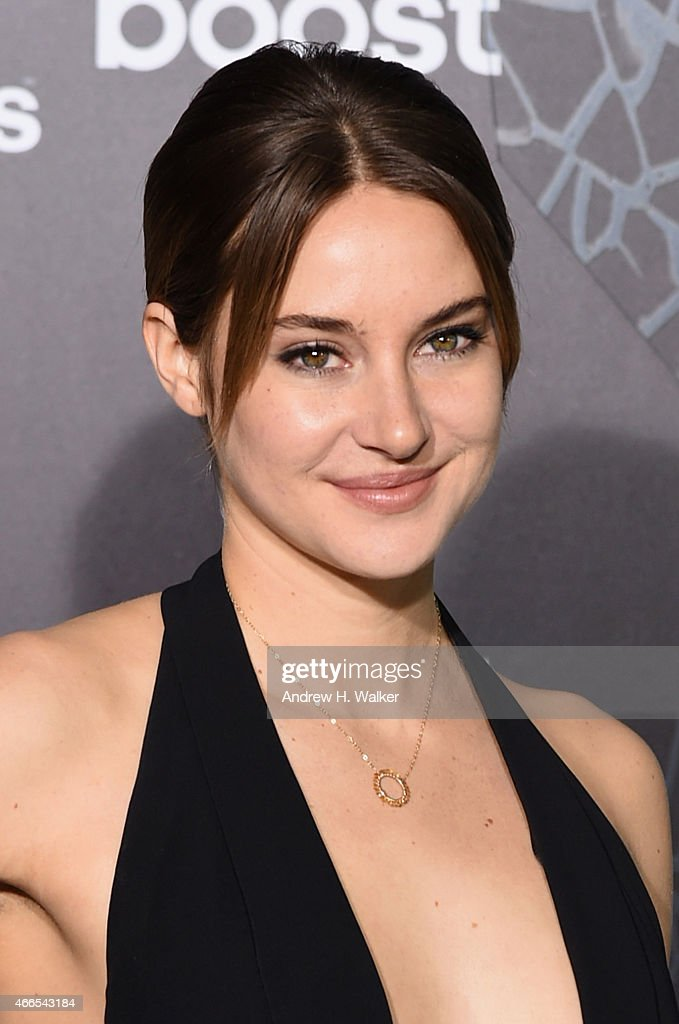 Actress <a gi-track='captionPersonalityLinkClicked' href=/galleries/search?phrase=Shailene+Woodley&family=editorial&specificpeople=676833 ng-click='$event.stopPropagation()'>Shailene Woodley</a> attends 'The Divergent Series: Insurgent' New York premiere at Ziegfeld Theater on March 16, 2015 in New York City.