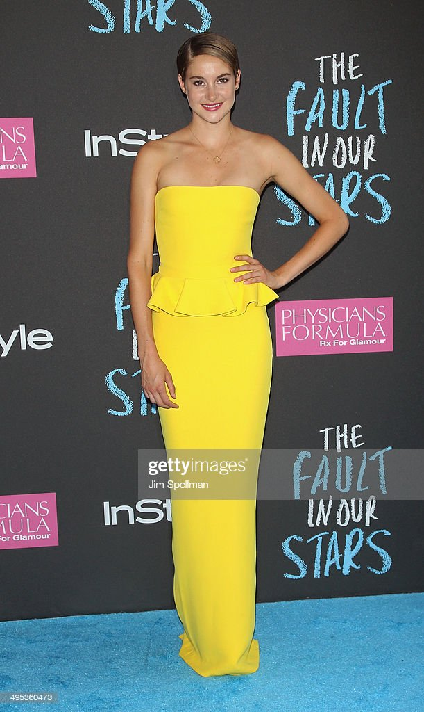 Actress <a gi-track='captionPersonalityLinkClicked' href=/galleries/search?phrase=Shailene+Woodley&family=editorial&specificpeople=676833 ng-click='$event.stopPropagation()'>Shailene Woodley</a> attends 'The Fault In Our Stars' premiere at Ziegfeld Theater on June 2, 2014 in New York City.