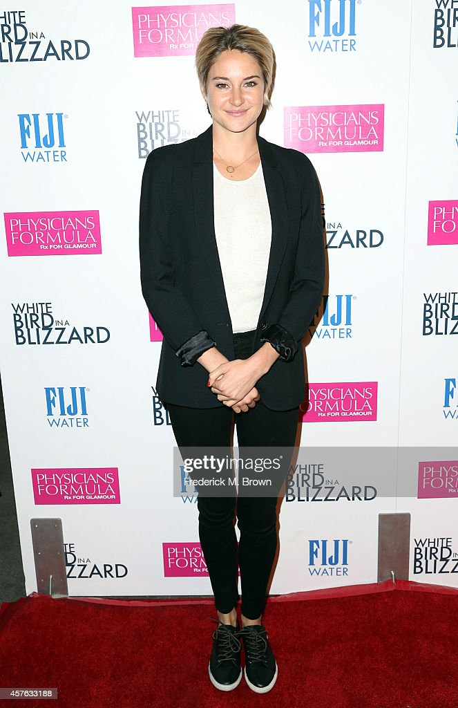 Actress <a gi-track='captionPersonalityLinkClicked' href=/galleries/search?phrase=Shailene+Woodley&family=editorial&specificpeople=676833 ng-click='$event.stopPropagation()'>Shailene Woodley</a> attends the Premiere of Magnolia Pictures' 'White Bird in a Blizzard' at the ArcLight Hollywood on October 21, 2014 in Hollywood, California.