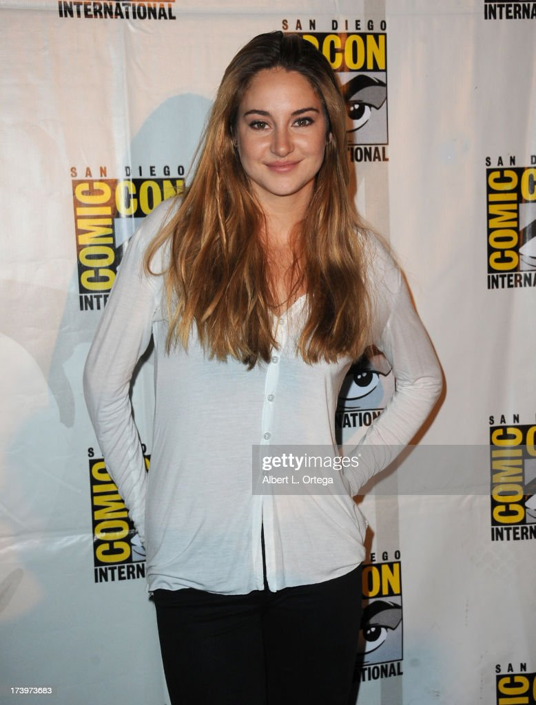 Actress <a gi-track='captionPersonalityLinkClicked' href=/galleries/search?phrase=Shailene+Woodley&family=editorial&specificpeople=676833 ng-click='$event.stopPropagation()'>Shailene Woodley</a> speaks onstage at the 'Enders Game' and 'Divergent' panels during Comic-Con International 2013 at San Diego Convention Center on July 18, 2013 in San Diego, California.