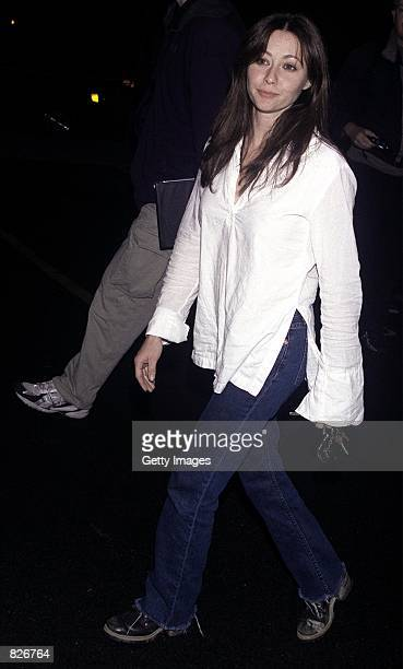 Actress Shannen Doherty arrives at the Las Palmas Club February 28 2001 in Hollywood CA