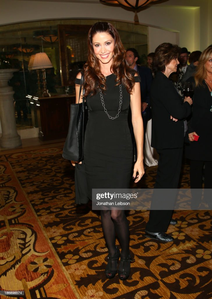 Actress <a gi-track='captionPersonalityLinkClicked' href=/galleries/search?phrase=Shannon+Elizabeth&family=editorial&specificpeople=201622 ng-click='$event.stopPropagation()'>Shannon Elizabeth</a> attends Equality Now presents 'Make Equality Reality' at Montage Hotel on November 4, 2013 in Los Angeles, California.