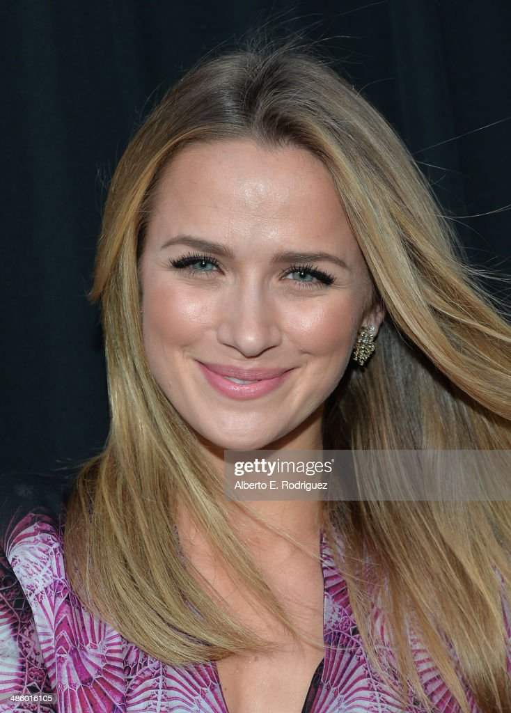 Actress <a gi-track='captionPersonalityLinkClicked' href=/galleries/search?phrase=Shantel+VanSanten&family=editorial&specificpeople=4433467 ng-click='$event.stopPropagation()'>Shantel VanSanten</a> arrives to the premiere of Fox's 'Gang Releted' at Homeboy Industries on April 21, 2014 in Los Angeles, California.