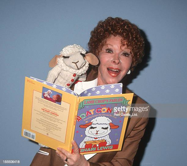 Actress Shari Lewis attends American Booksellers Association Convention on May 29 1993 at the Miami Beach Convention Center in Miami Florida