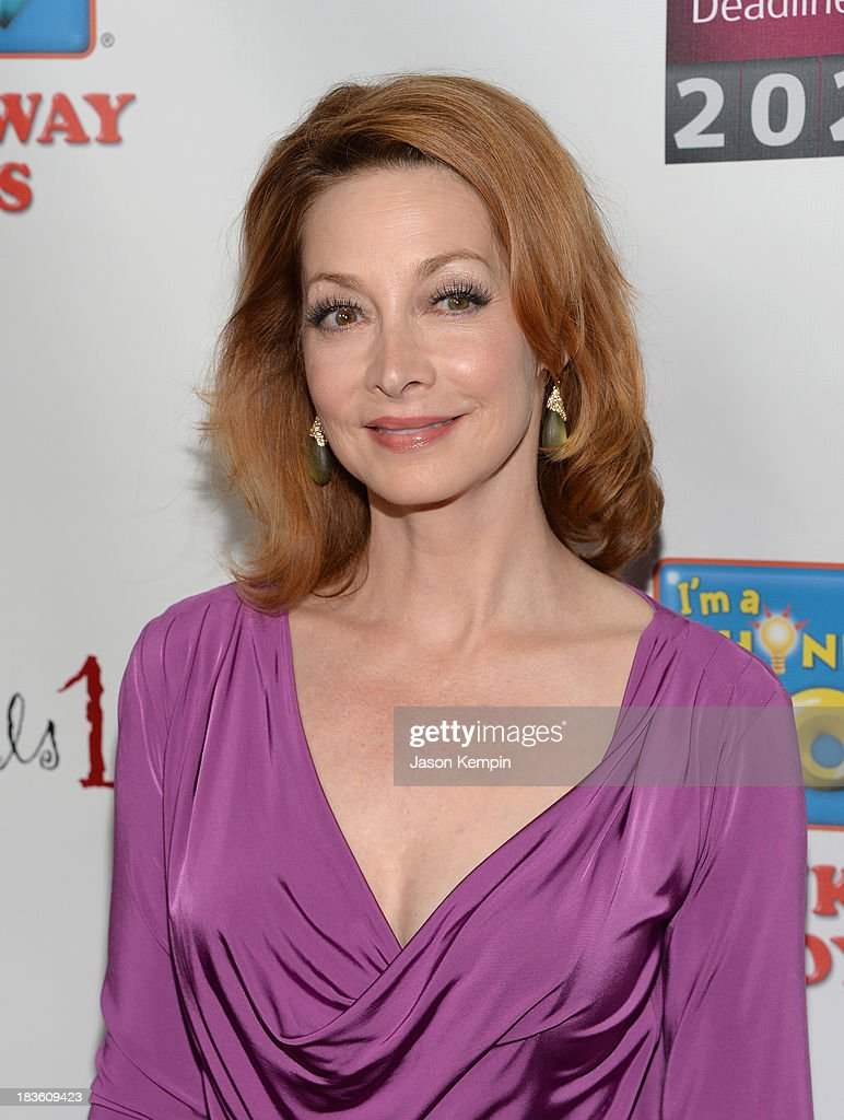 Actress <a gi-track='captionPersonalityLinkClicked' href=/galleries/search?phrase=Sharon+Lawrence&family=editorial&specificpeople=202246 ng-click='$event.stopPropagation()'>Sharon Lawrence</a> attends the 13th Annual Les Girls benefit at Avalon on October 7, 2013 in Hollywood, California.
