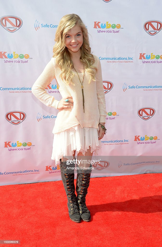 Actress Shauna Case arrives at 'Family Day' hosted by Nick Cannon at Santa Monica Pier on October 6, 2012 in Santa Monica, California.