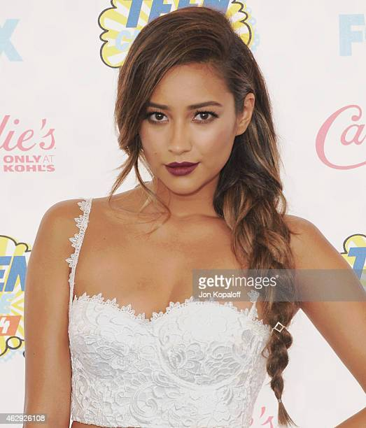 Actress Shay Mitchell arrives at the 2014 Teen Choice Awards at The Shrine Auditorium on August 10 2014 in Los Angeles California