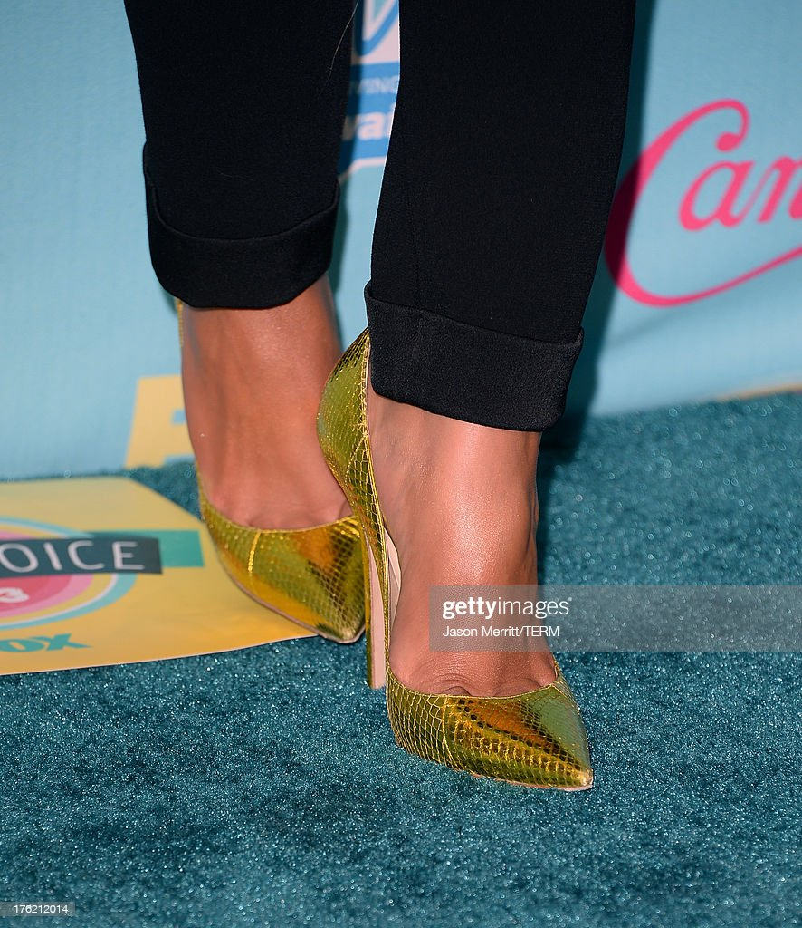 Actress Shay Mitchell (fashion detail), winner of Choice TV Show: Drama for 'Pretty Little Liars,' attends the Teen Choice Awards 2013 at Gibson Amphitheatre on August 11, 2013 in Universal City, California.