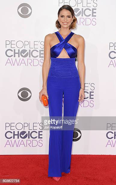 Actress Shelley Hennig arrives at People's Choice Awards 2016 at Microsoft Theater on January 6 2016 in Los Angeles California