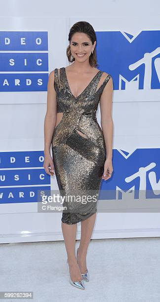 Actress Shelley Hennig attends the 2016 MTV Video Music Awards at Madison Square Garden on August 28 2016 in New York City