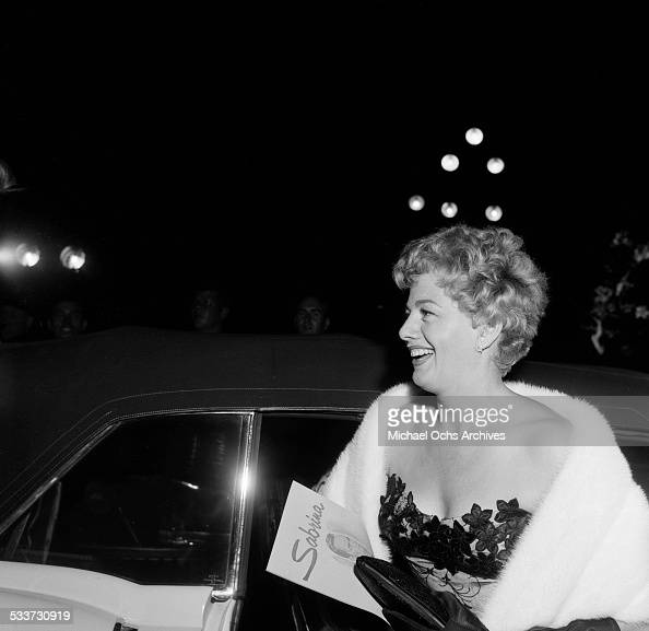 Actress Shelley Winters attends the premiere of 'Sabrina' in Los AngelesCA