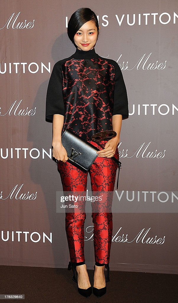 Actress <a gi-track='captionPersonalityLinkClicked' href=/galleries/search?phrase=Shiori+Kutsuna&family=editorial&specificpeople=7059925 ng-click='$event.stopPropagation()'>Shiori Kutsuna</a> attends Louis Vuitton 'Timeless Muses' exhibition at the Tokyo Station Hotel on August 29, 2013 in Tokyo, Japan.