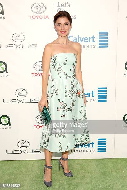 Actress Shiri Appleby attends the Environmental Media Association 26th Annual EMA Awards Presented By Toyota Lexus And Calvert at Warner Bros Studios...