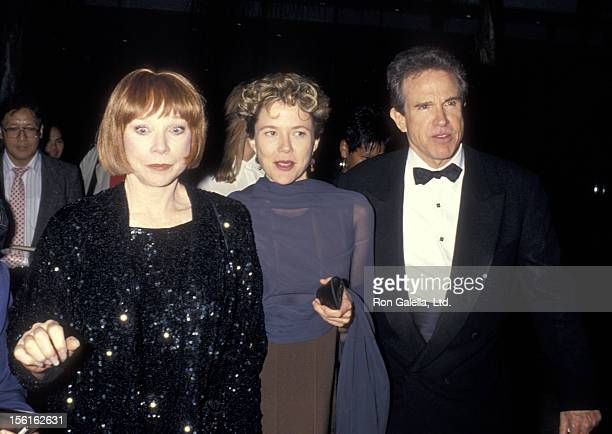 Actress Shirley MacLaine actress Annette Bening and actor Warren Beatty attend the 22nd Annual American Film Institute Lifetime Achievement Award...