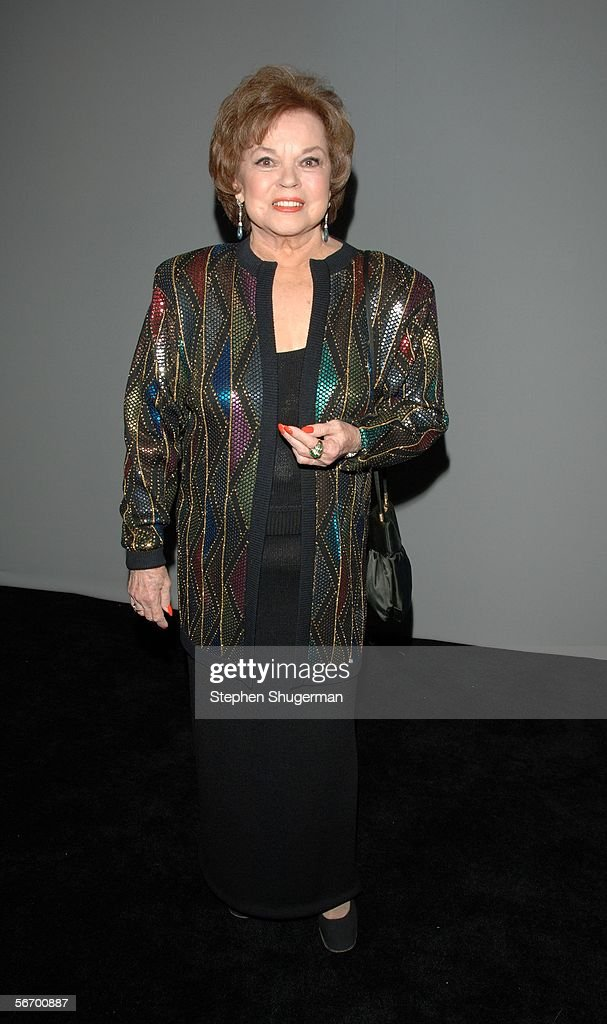 Actress <a gi-track='captionPersonalityLinkClicked' href=/galleries/search?phrase=Shirley+Temple&family=editorial&specificpeople=69996 ng-click='$event.stopPropagation()'>Shirley Temple</a> Black attends the 12th Annual Screen Actors Guild Awards at the Los Angeles Shrine Exposition Center January 29, 2006 in Los Angeles, California.