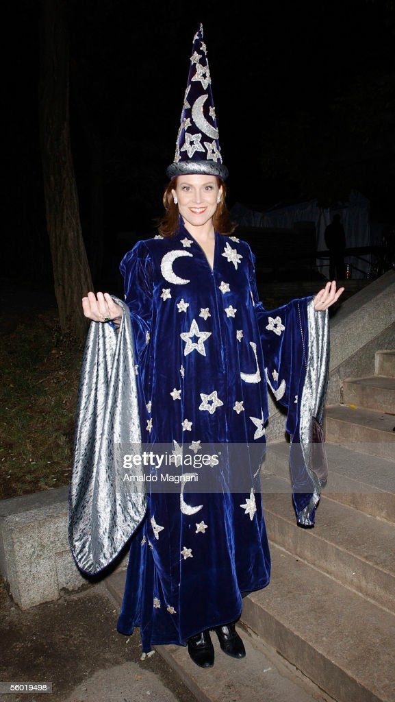 Actress Sigourney Weaver arrives at the Conservatory in Central Park for a Halloween Party, October 26, 2005 in New York.