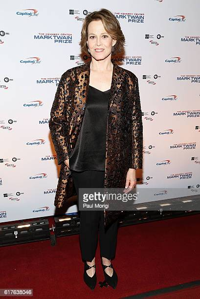 Actress Sigourney Weaver arrives to The Kennedy Center Mark Twain Prize Honors Bill Murray event at The Kennedy Center on October 23 2016 in...