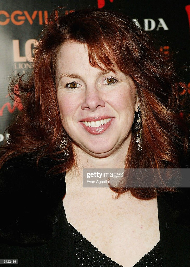 Actress Siobhan Fallon Hogan attends the 'Dogville' New York Premiere on March 22, 2004 at Clearview Chelsea West Cinemas, in New York City.