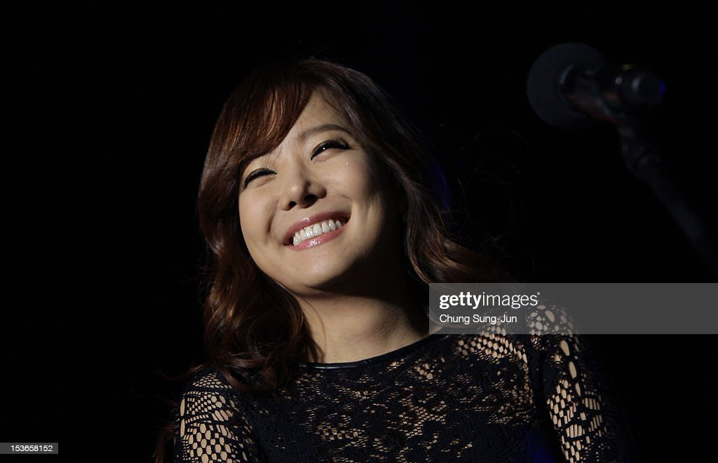 Actress So Yoo-Jin attends the outdoor greeting for 'Mai Ratima' during the 17th Busan International Film Festival (BIFF) at Haeundae beach on October 8, 2012 in Busan, South Korea. The biggest film festival in Asia showcases 304 films from 75 countries and runs from October 04 until October 13..