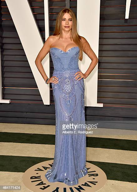 Actress Sofía Vergara attends the 2015 Vanity Fair Oscar Party hosted by Graydon Carter at Wallis Annenberg Center for the Performing Arts on...