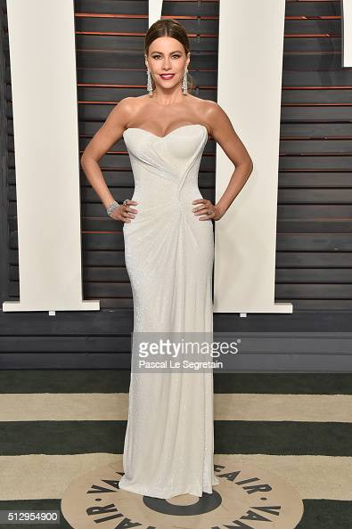 Actress Sofía Vergara attends the 2016 Vanity Fair Oscar Party Hosted By Graydon Carter at the Wallis Annenberg Center for the Performing Arts on...